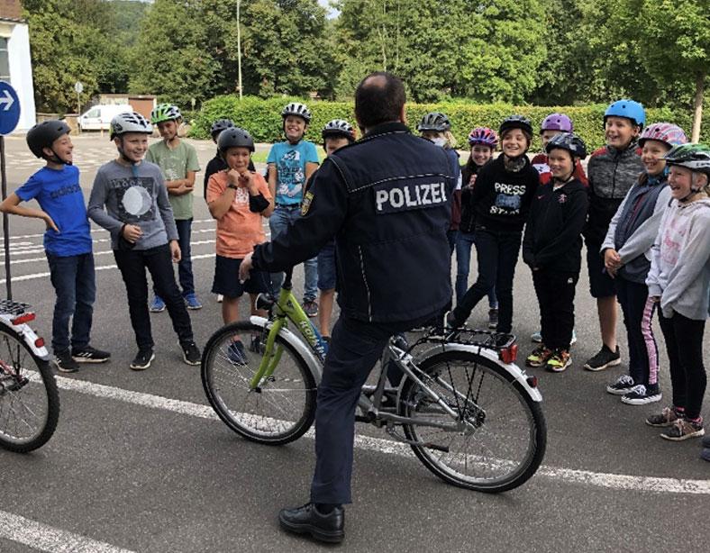Viertklässler aus Eppelborn und Bubach starten sicher auf zwei Rädern ins neue Schuljahr